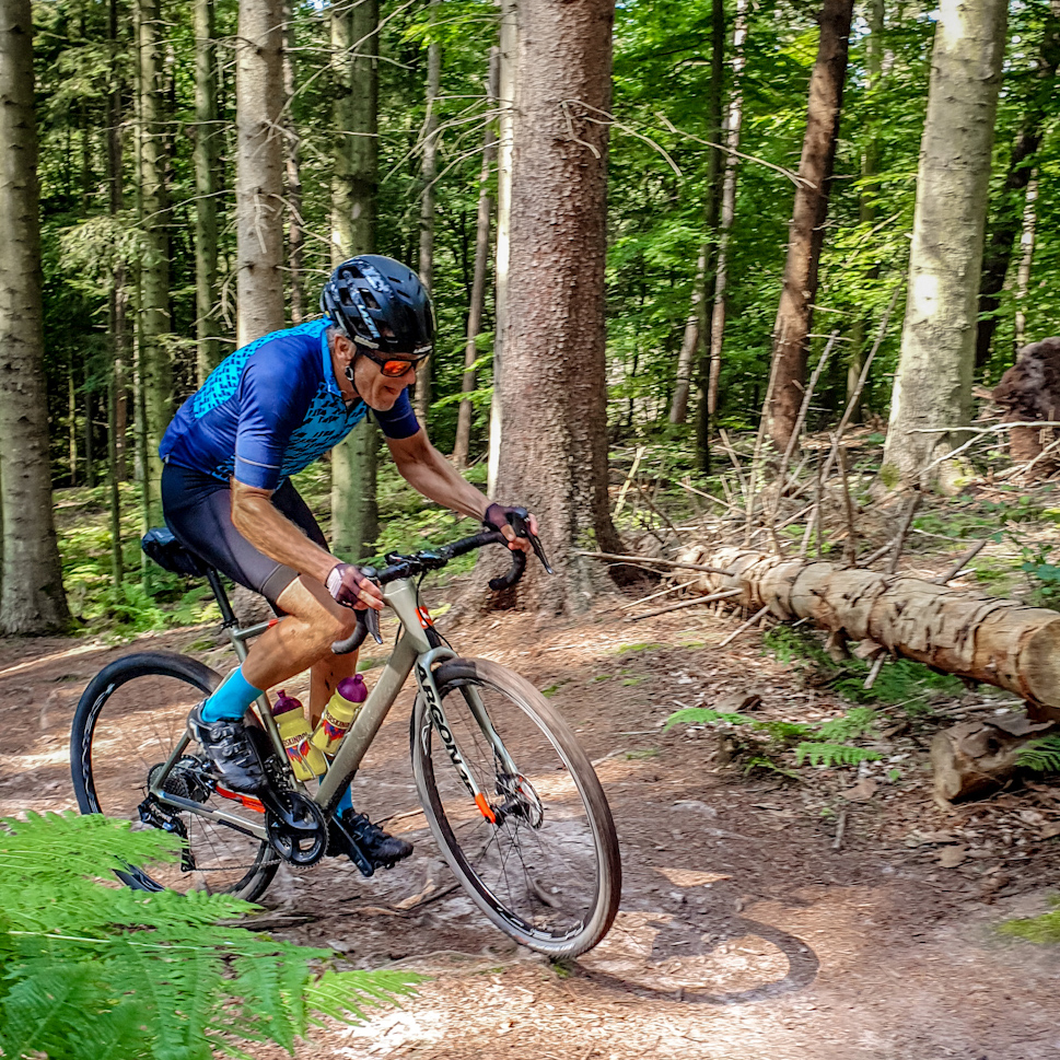 Both Henrik and Kristian are experienced mountainbikers and handled the technical sections brilliantly - I had to get off the bike and walk several places. Be aware of some pretty steep parts.